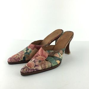 Pointed Toe Leather Floral Mules Sz 9 (Estimate)